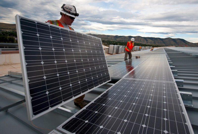 Panele słoneczne – czy wato je kupić?